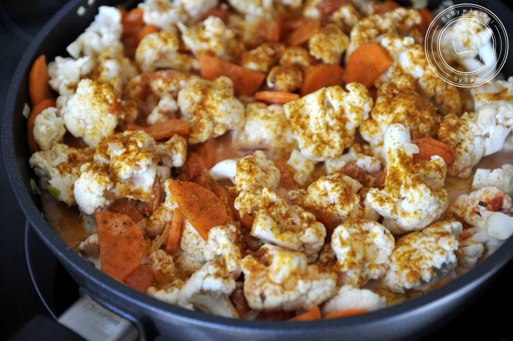 Curry z kalafiora w patelni tytanowej