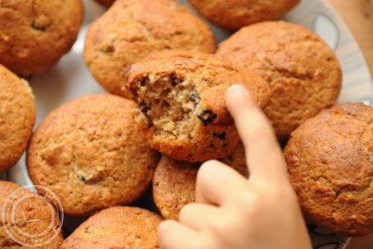 Muffinki orkiszowe z suszoną śliwką