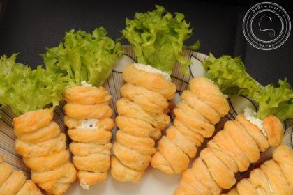 Faszerowane marchewki z kruchego ciasta