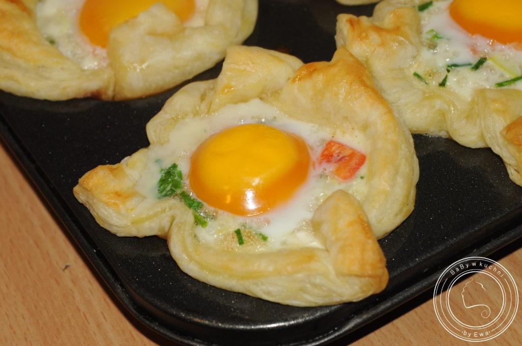 Jajka zapiekane w cieście francuskim - po upieczeniu