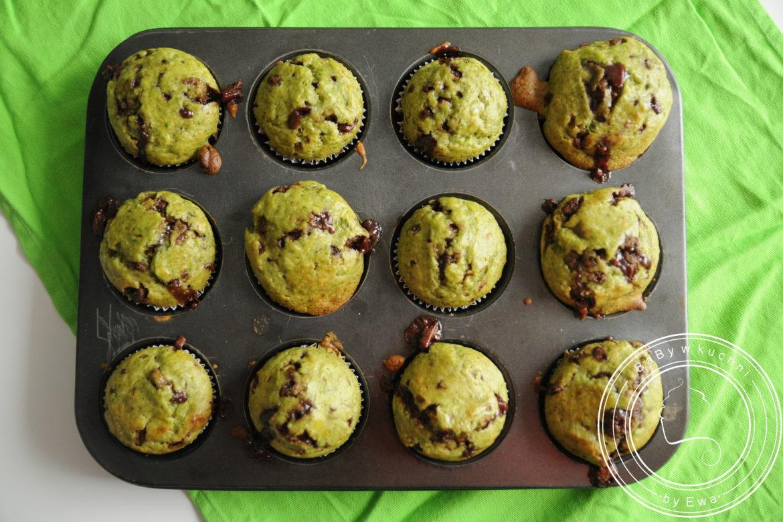 Muffiny bananowe z jarmużem