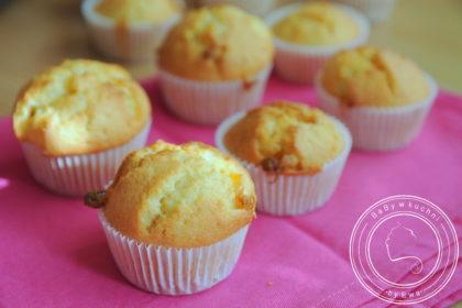 Muffiny pomarańczowe z białą czekoladą