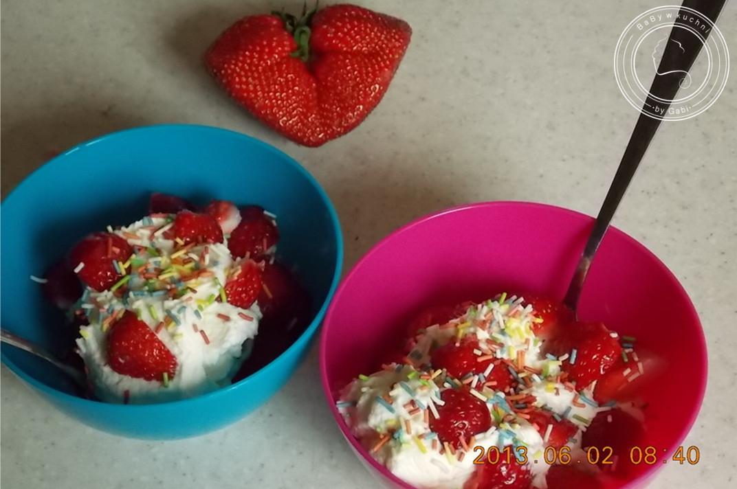 Najprostszy deser z truskawkami
