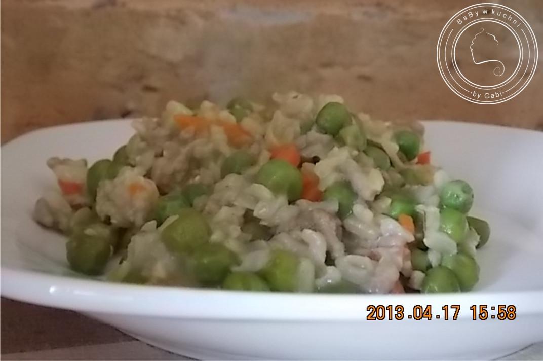 Risotto z mięsem mielonym i zielonym groszkiem