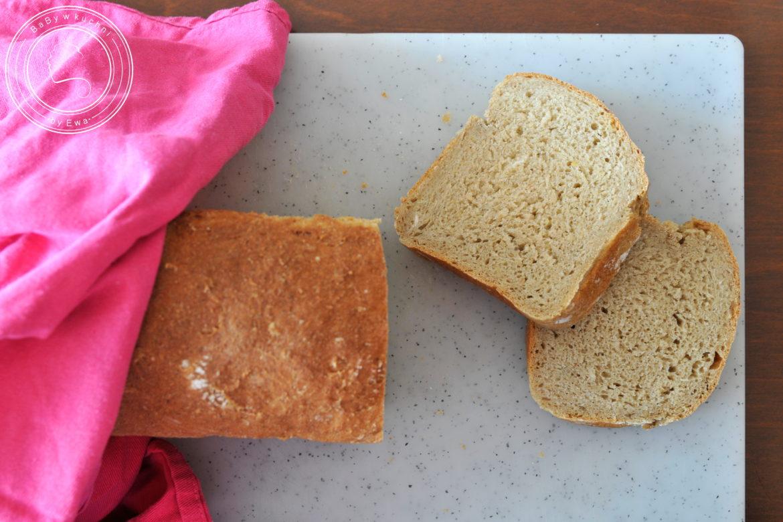 Chleb z hummusem