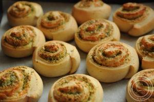 Bułeczki ślimaczki z pesto