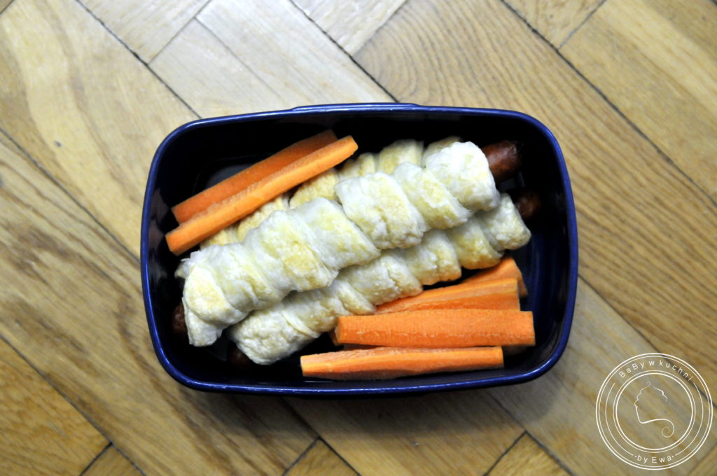 Lunchbox drugie śniadanie do szkoły frankfurterki w cieście