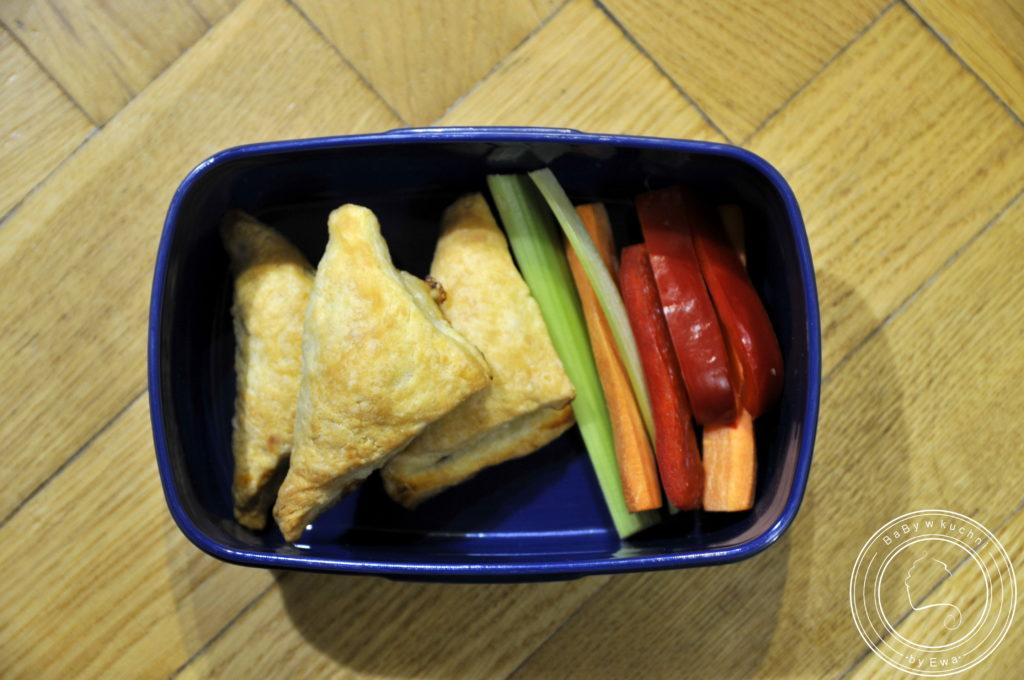Lunchbox drugie śniadanie do szkoły trójkąty z tuńczykiem
