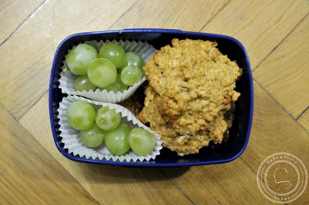 Lunchbox drugie śniadanie do szkoły ciasteczka owsiane na miodzie