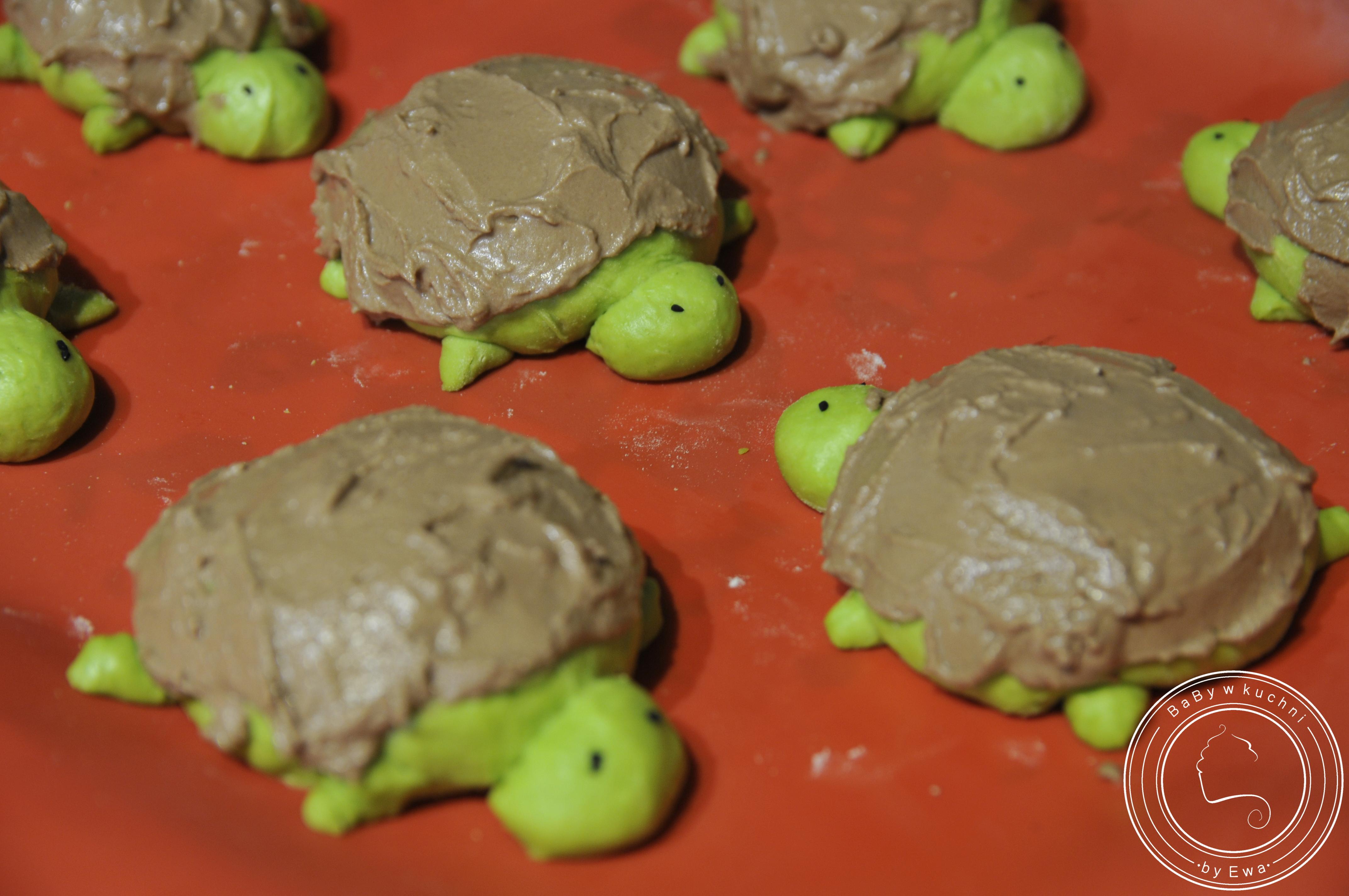 Słodkie żółwie szpinakowe bułeczki