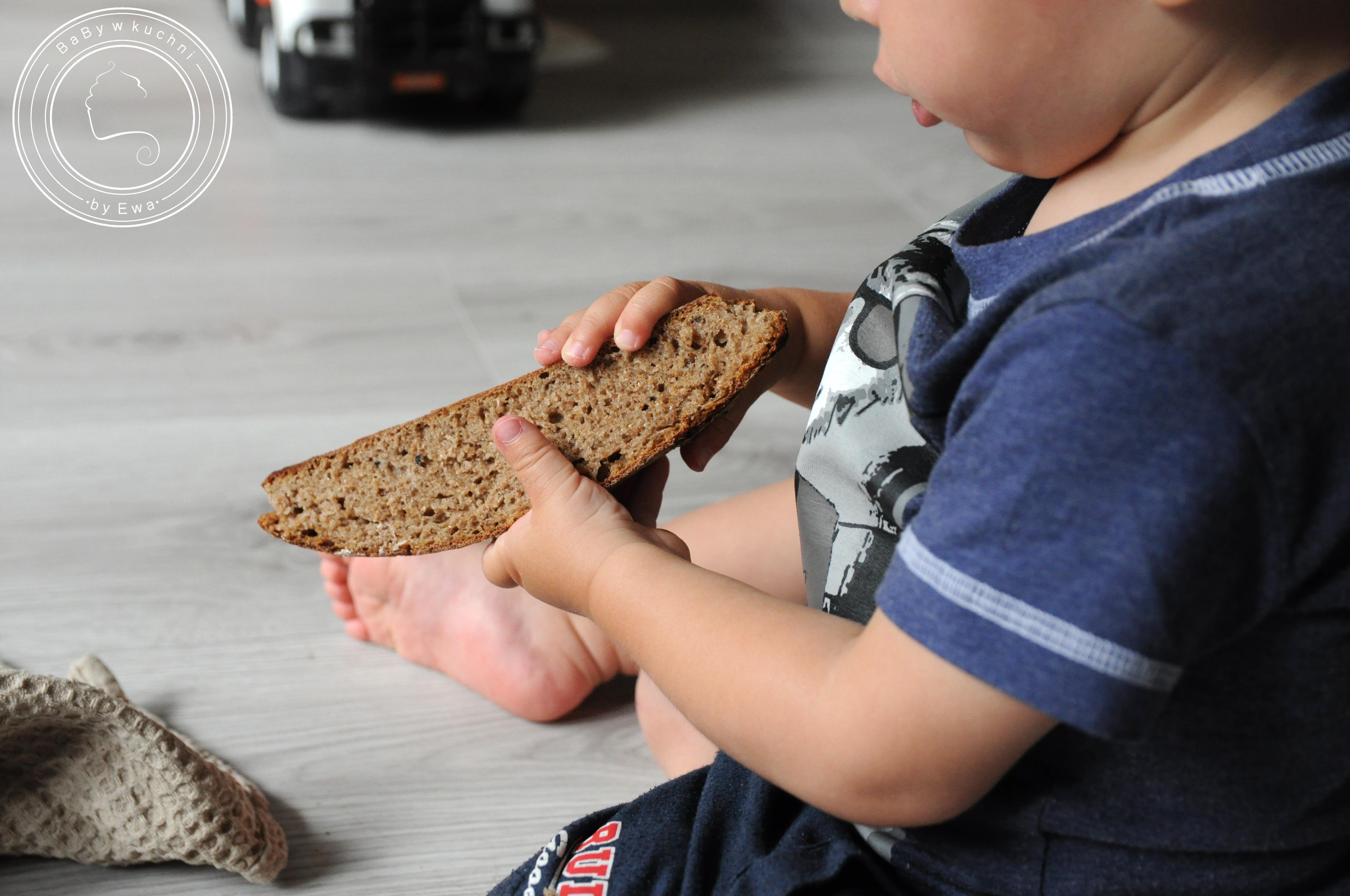 Chleb na maślance na zakwasie żytnim z przepisu Piotra Kucharskiego