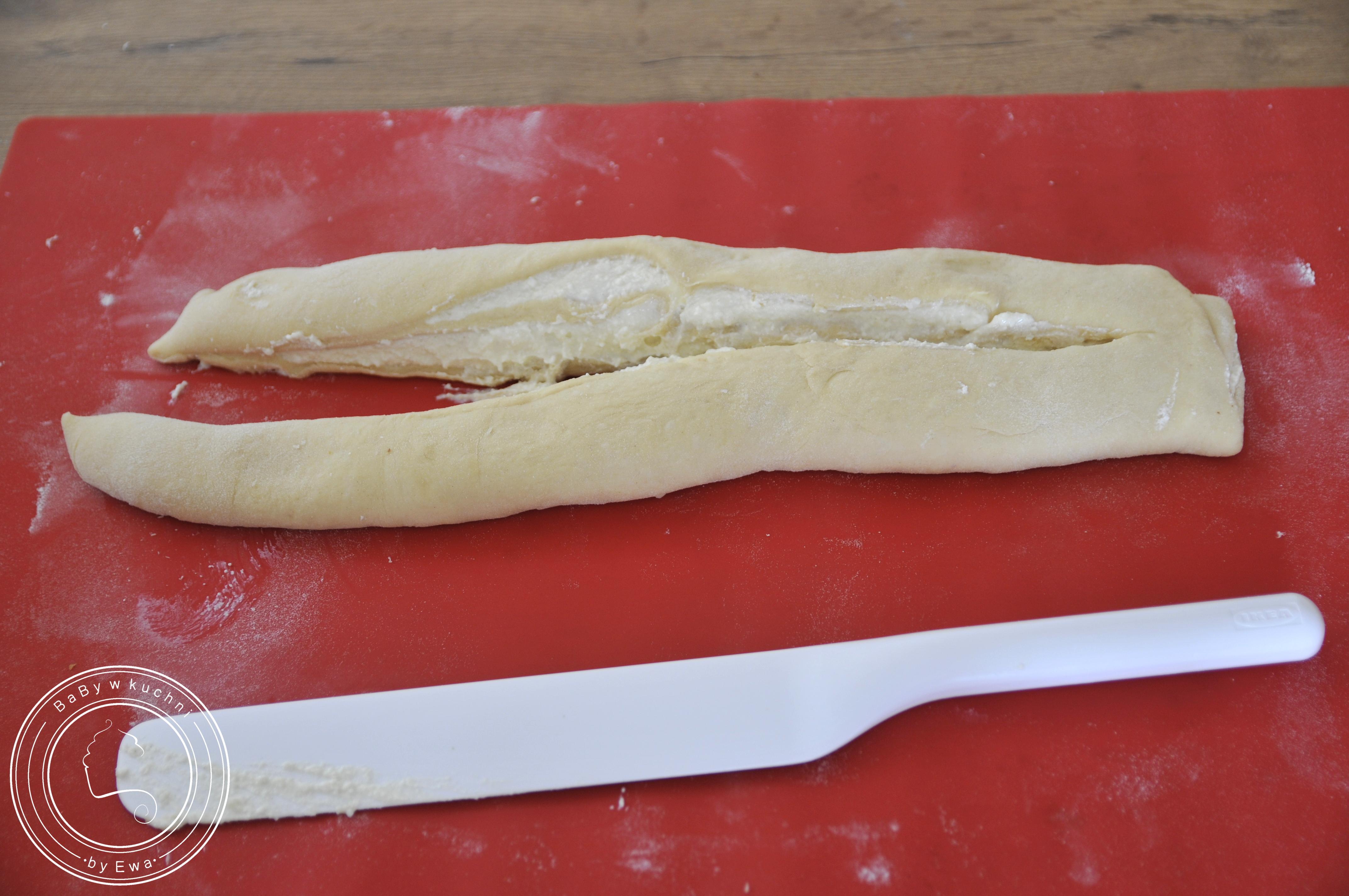Drożdżówka z serem sposób 1