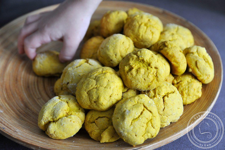 Miękkie korzenne ciasteczka dyniowe