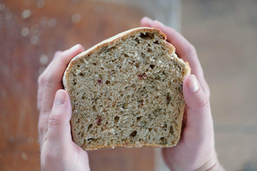 Chleb z botwinką na zakwasie